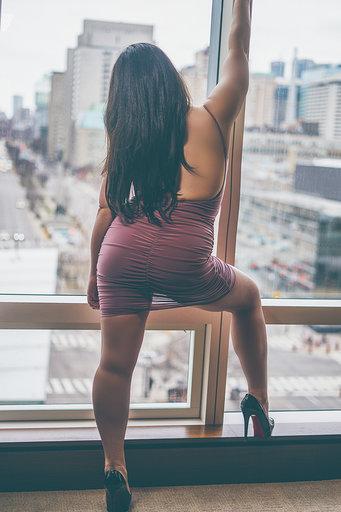 Model in lingerie - Jade